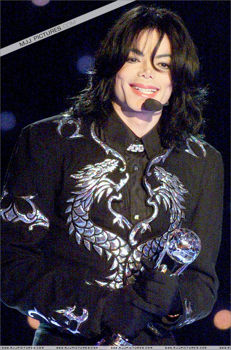 http://mjjgallery.free.fr/19982000/awards/wma/award/049.jpg
