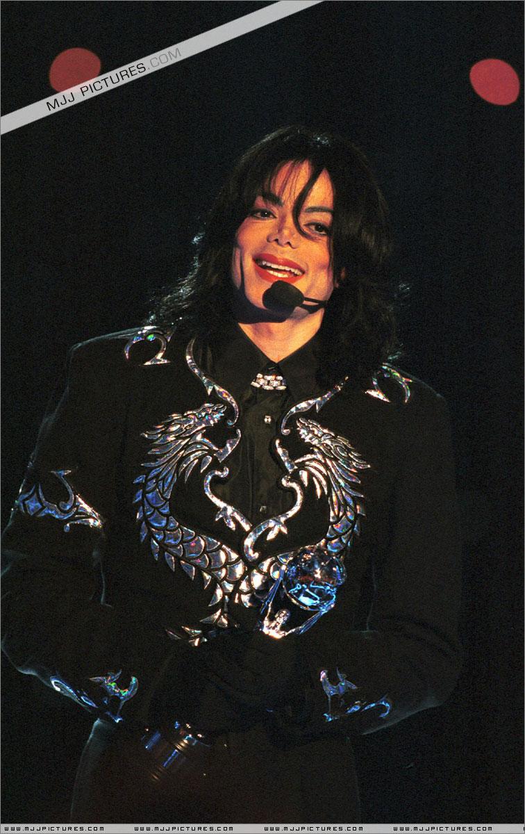 http://mjjgallery.free.fr/19982000/awards/wma/award/050.jpg