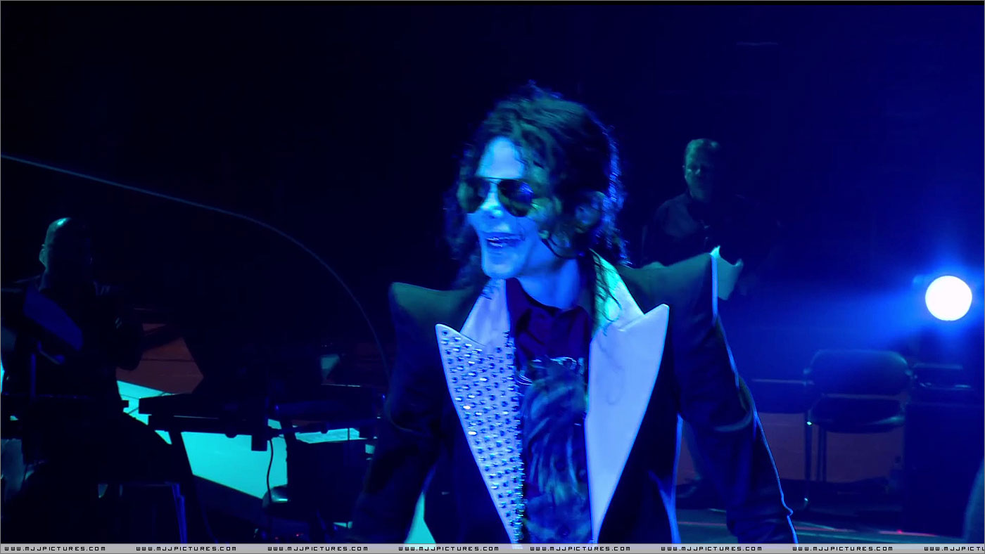http://mjjgallery.free.fr/2009/thisisit/trailers/155.jpg