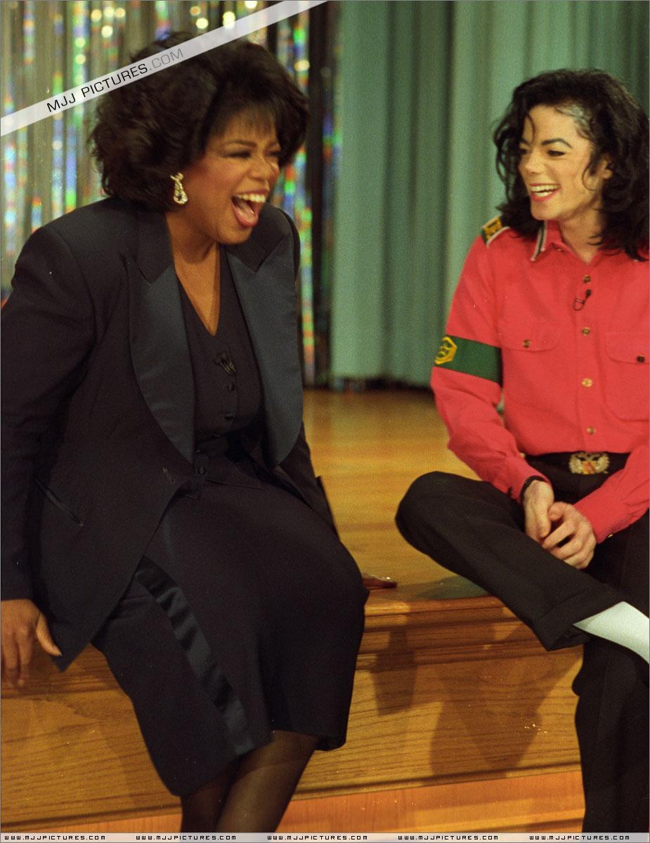 http://mjjgallery.free.fr/dangerous/oprah/interview/001.jpg
