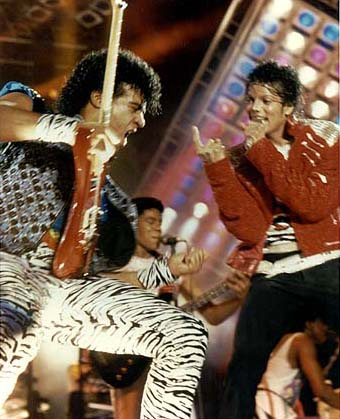 VICTORY TOUR 056