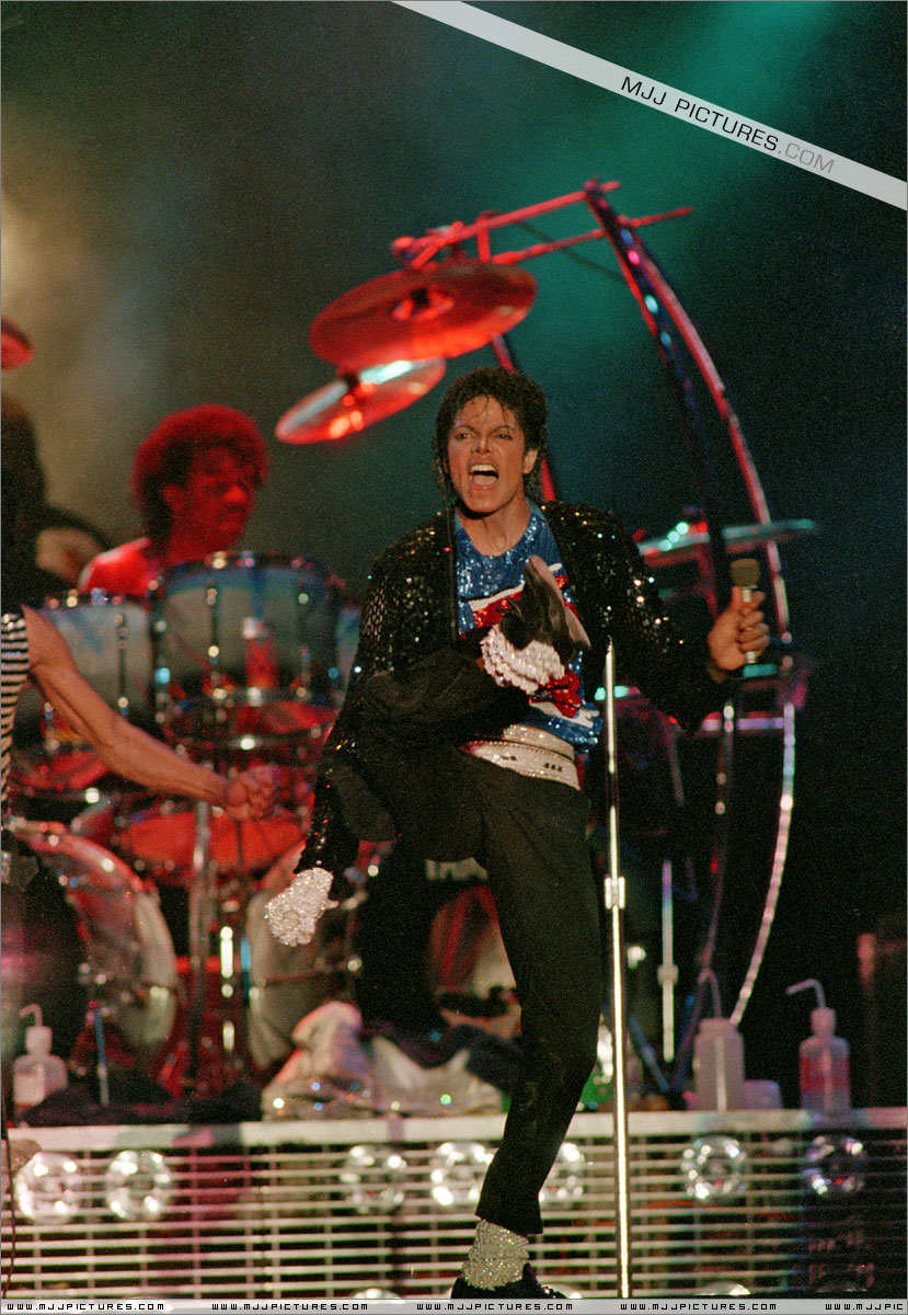 VICTORY TOUR 021