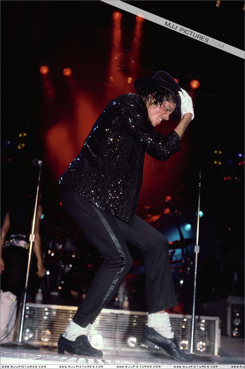VICTORY TOUR 022
