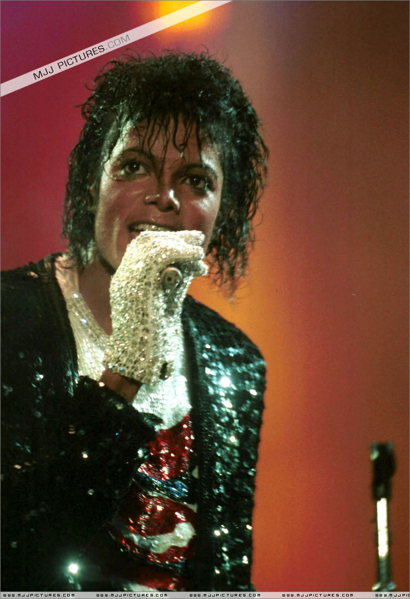 VICTORY TOUR 035