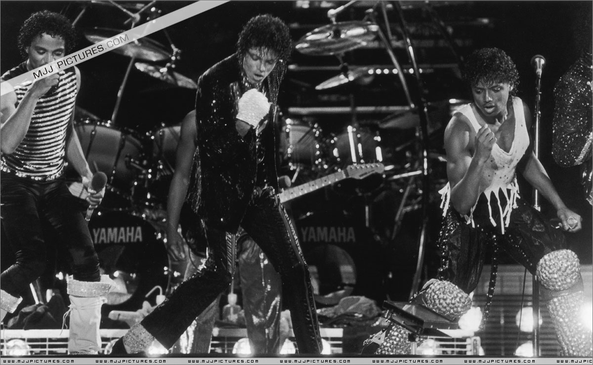 VICTORY TOUR 041