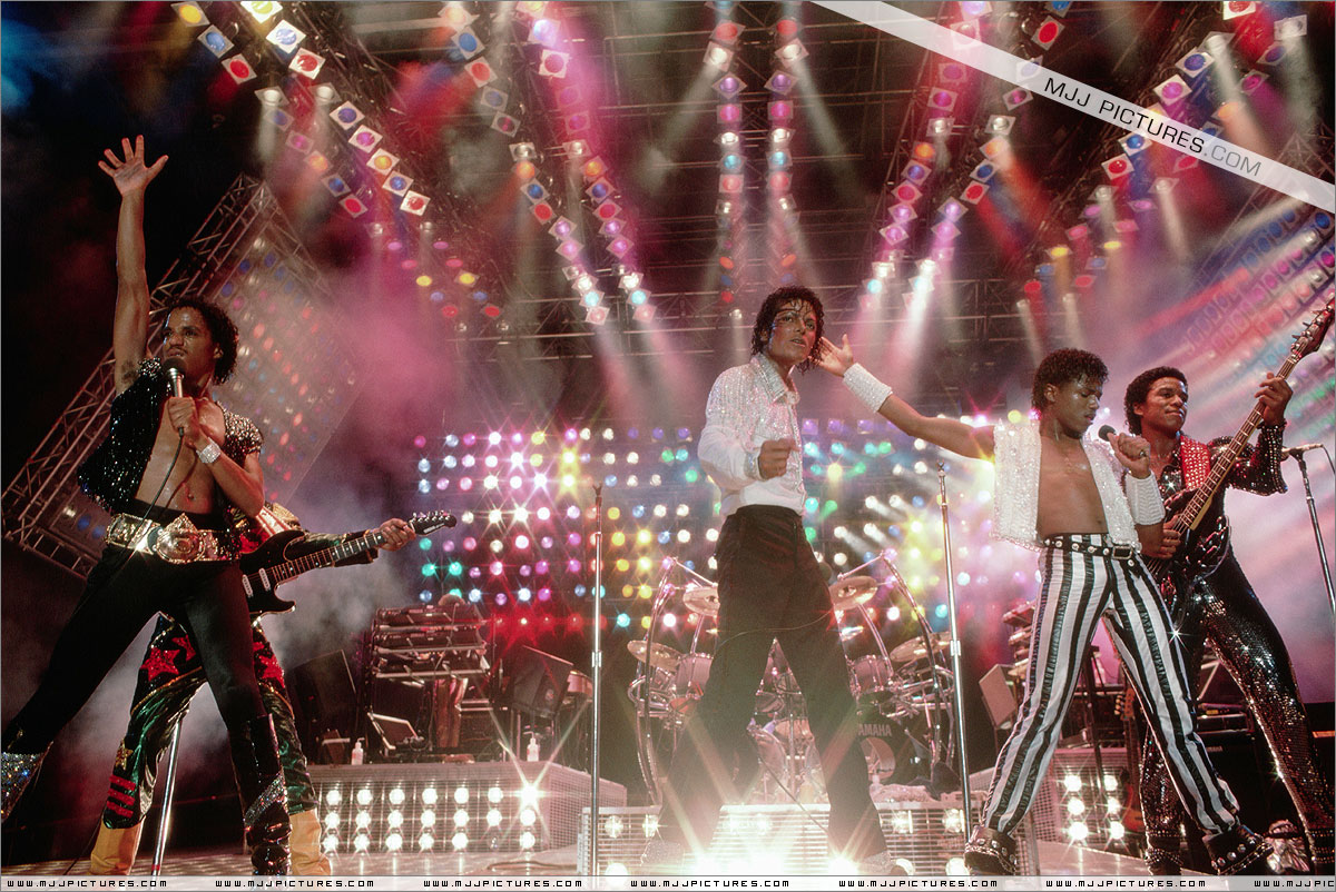 VICTORY TOUR 005