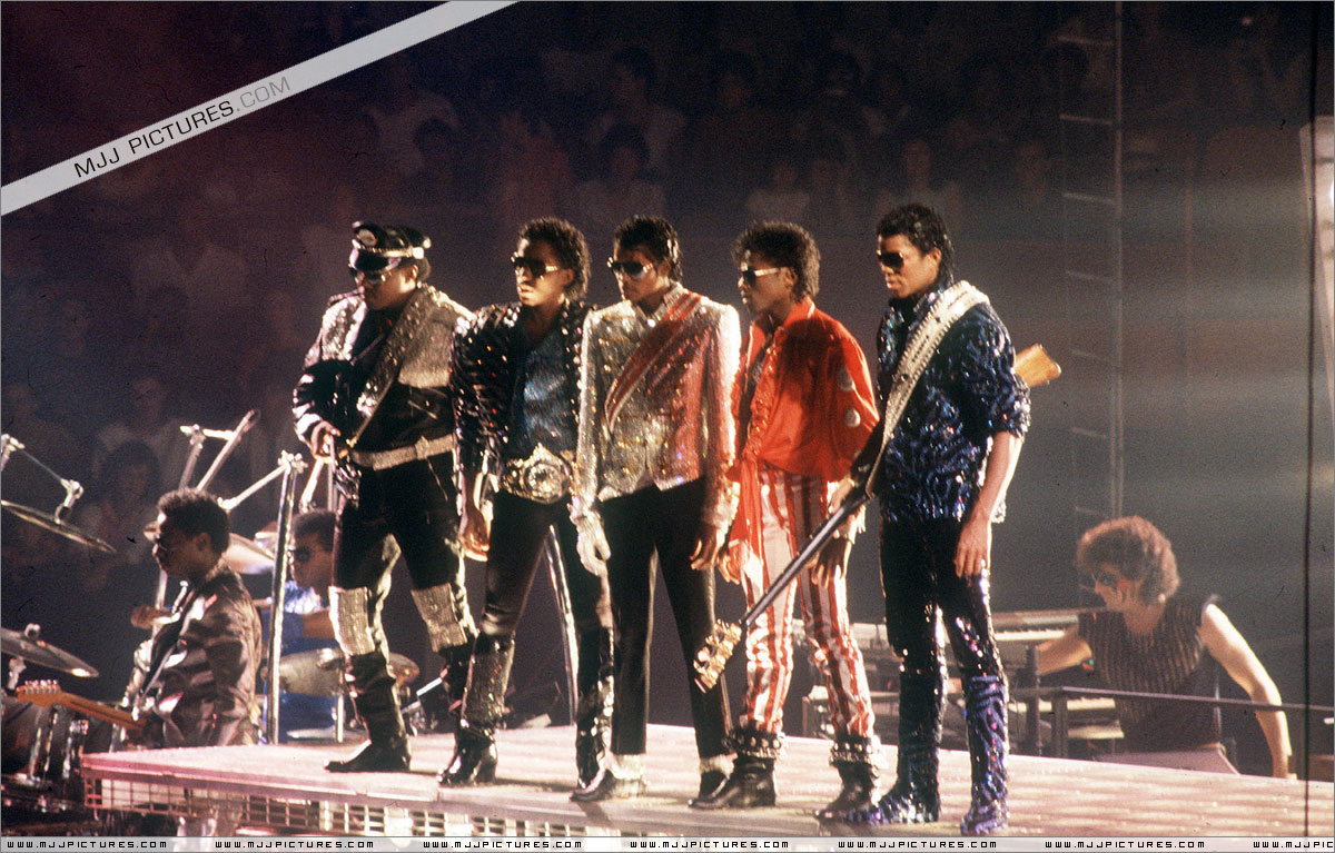 VICTORY TOUR 019