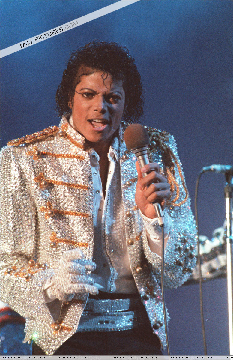 VICTORY TOUR 054