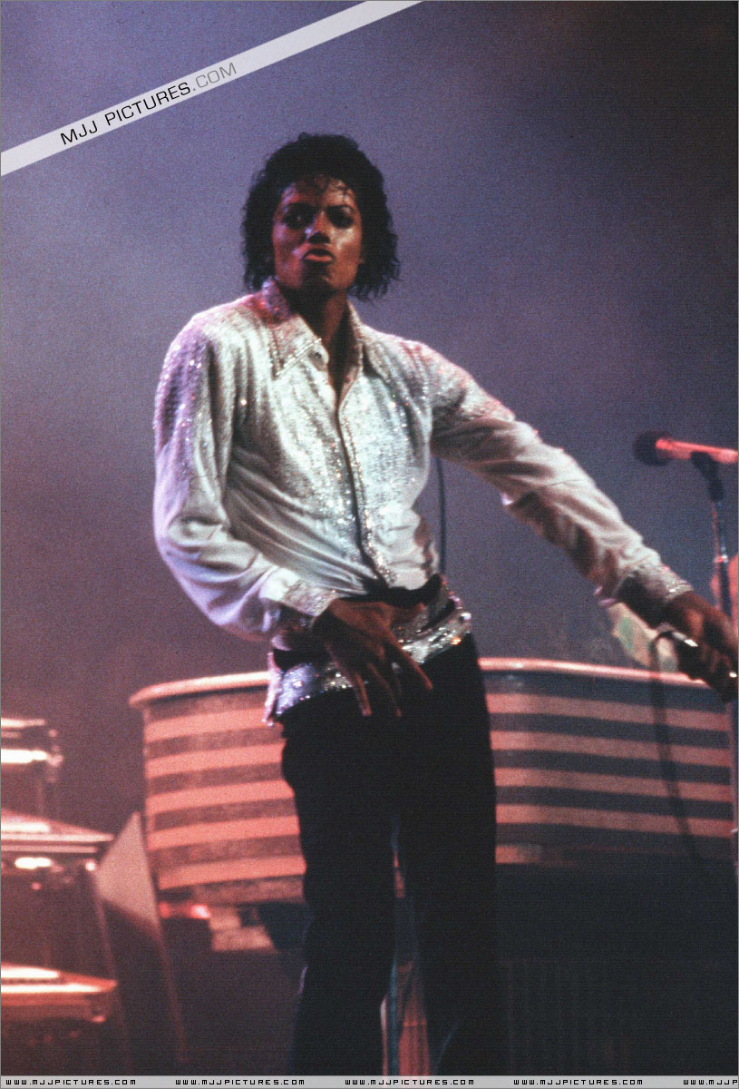 VICTORY TOUR 055